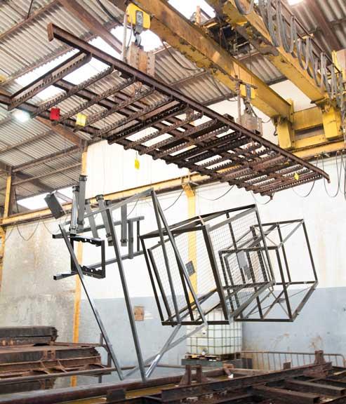 La galvanisation à chaud consiste à immerger des pièces en acier dans un bain de zinc en fusion après avoir réalisé une opération de décapagechimique.