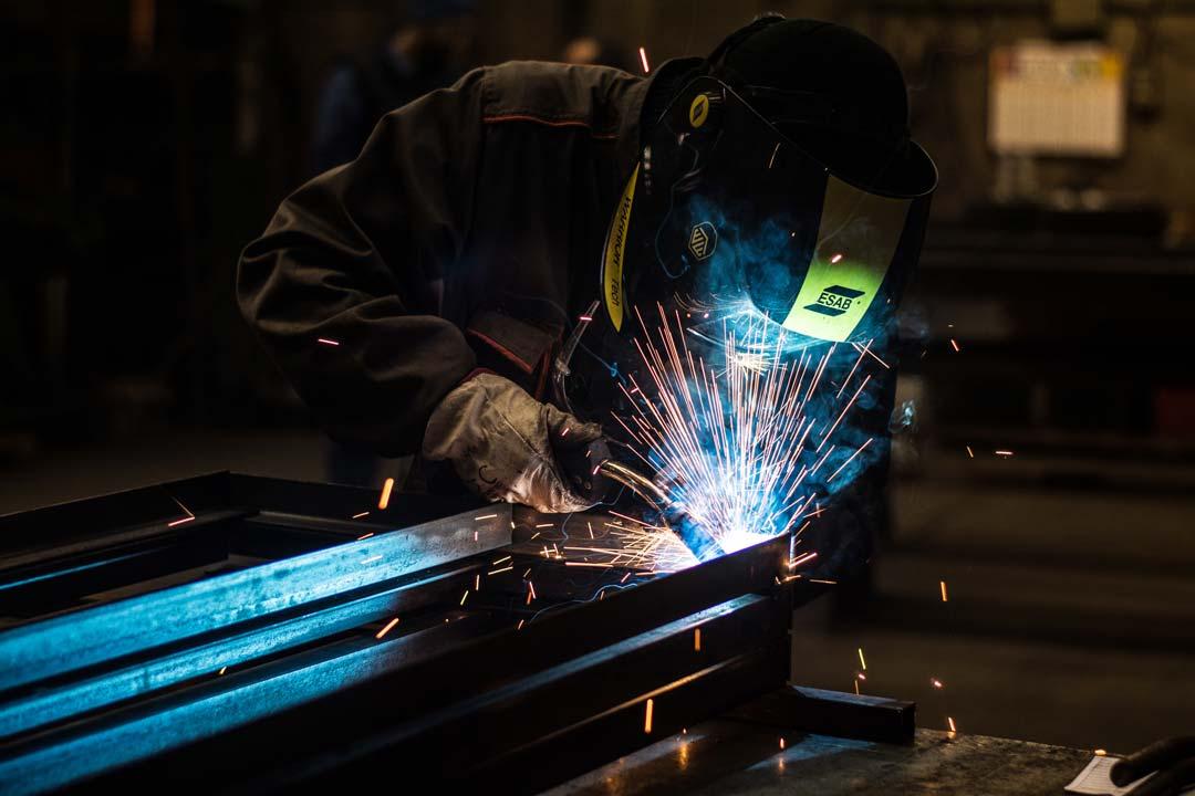 Les qualifications de nos soudeurs nous permettent de répondre à des marchés avecagréments. Des équipes peuvent réaliser la pose des ouvrages métalliques destinés au bâtiment et au mobilierurbain.