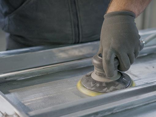 Le thermolaquage est un procédé de peinture qui consiste à projeter des poudres polyester ou époxy sur des pièces métalliques ayant subi une préparation préalable puis à cuire au four ce revêtement pour lepolymériser.